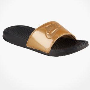 BRAND NEW!🌟 Gold NIKE Slides!!